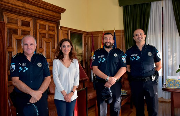 Posesión-de-dos-agentes-de-Policía-Local-love-talavera