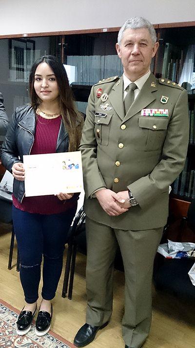 alumna-premio-clemente-palencia-revista-love-talavera