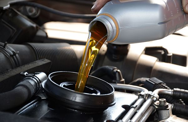 cambio-aceite-coche-talleres-pedro-madrono
