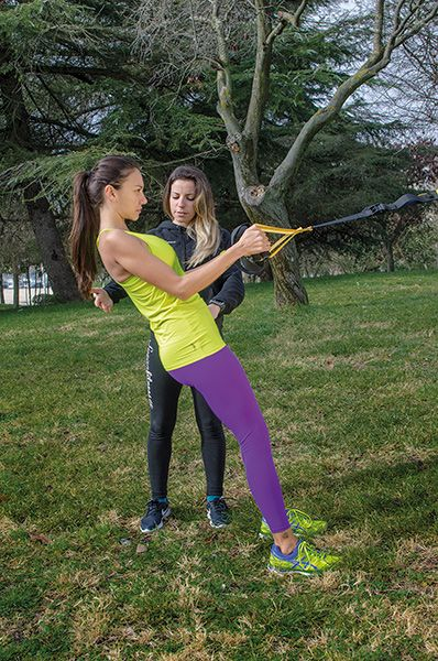 entrenando-con-grace-barroso-trx-susan-fitness-revista-love-talavera