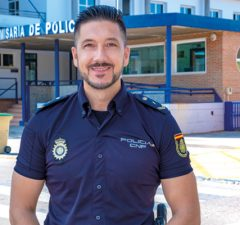entrevista--policia-revista-love-talavera