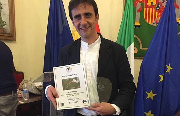 ivan-gonzalez-garcia-ganador-premio-revista-talavera-love