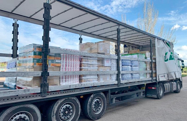 logistica-carosan-dona-25-toneladas-alimentos-covid19-revista-love-talavera