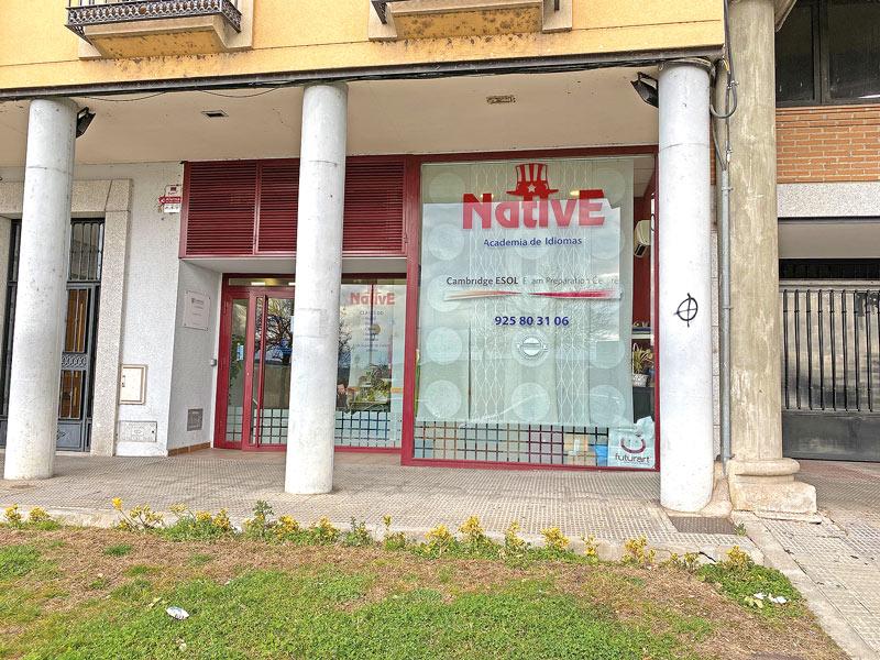 native-academia-idiomas-reportaje-talavera-lovetalavera-revistalove-revistatalavera-fachada