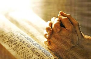 rezando-contra-el-enemigo-revista-love-talavera