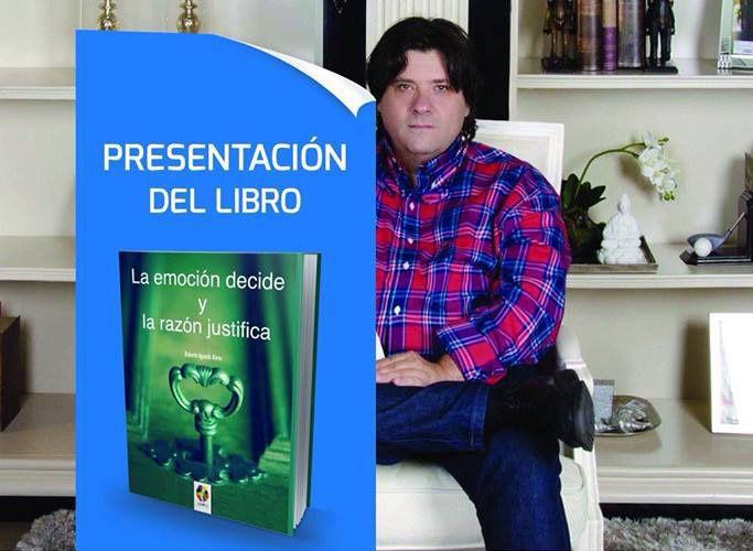 roberto-aguado-presentacion-libro-revista-love-talavera